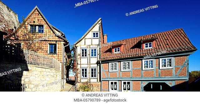 Germany, Saxony-Anhalt, Quedlinburg, historical old town, narrow alley with half-timbered houses, UNESCO world heritage
