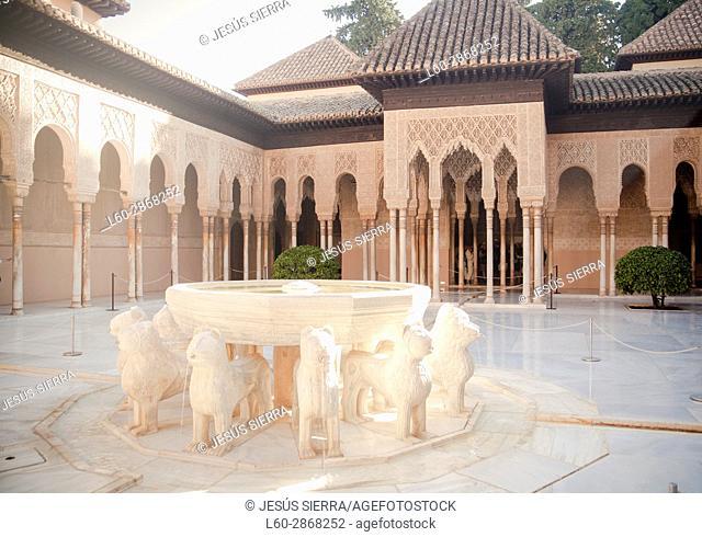 Patio de los Leones, La Alhambra, Granada, Andalucia, Spain