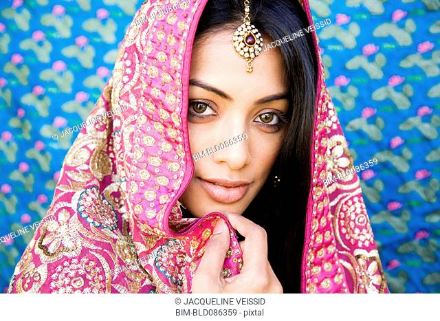 Indian woman in glamorous traditional clothing