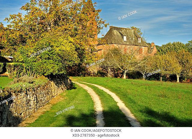 double track driveway, Collonges-la-Rouge, Correze Department, Limosin, France