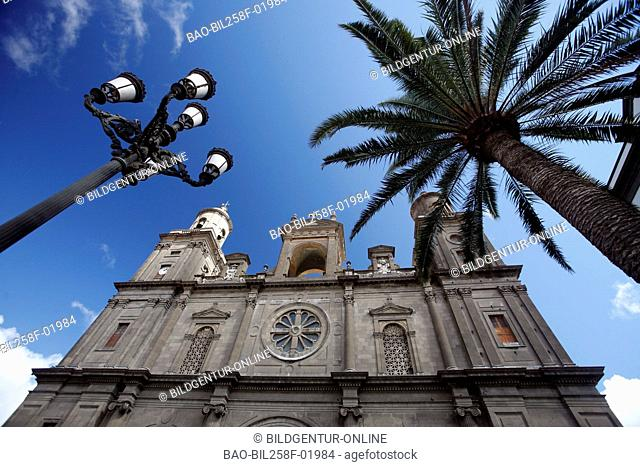 The cathedral Santa Ana in Santa Ana Platz in reading Palmas of the capital the insel grain Canaria on the Canary islands in the Atlantic, Spain