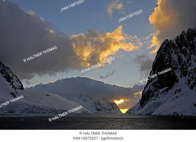 Antarctica,Antarctic,Antarctica,Lemaire channel,Lemaire,canal,channel,glacier