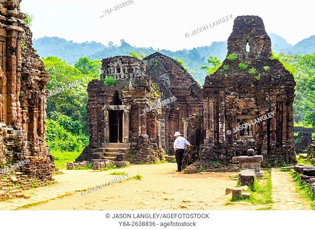 A local Vietnamese guide at My Son ruins Cham temple site, Duy Xuyen District, Quang Nam Province, Vietnam