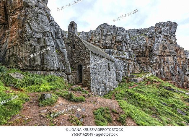 St Govan's Chapel, Pembrokeshire, Wales, UK, Europe