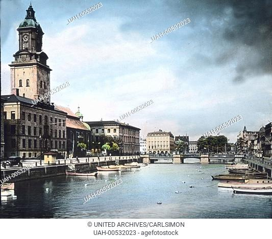 Gothenburg city on the west coast of Sweden. View to the Göta älv river. Image date: circa 1920. Carl Simon Archive