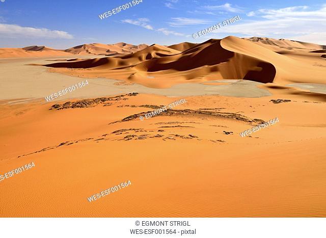 Algeria, Tehak, sanddunes at Tassili n' Ajjer National Park