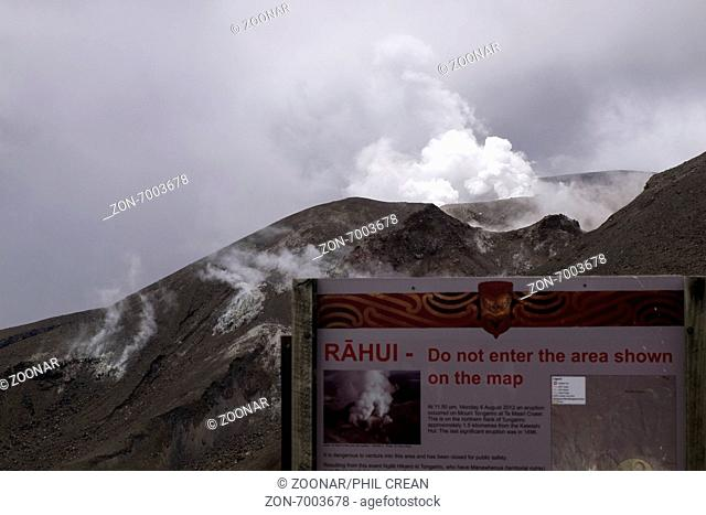 Sign advising of a Maori Rahui, closing of an area for protection, on the Tongariro alpine crossing