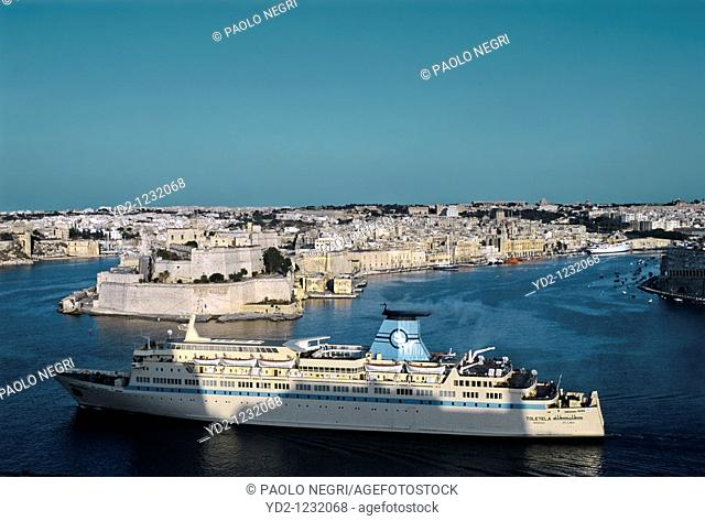 Malta, Valletta, view of the grat harbour