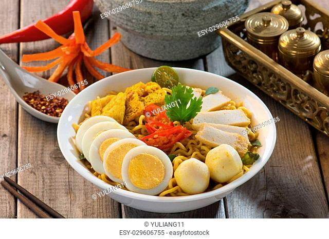 singapore curry laksa noodle