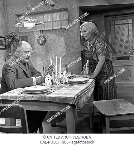 Der fünfzigste Geburtstag, Fernsehspiel, Deutschland 1962, Regie: Gustav Burmester, Darsteller: -?-, Hilde Körber