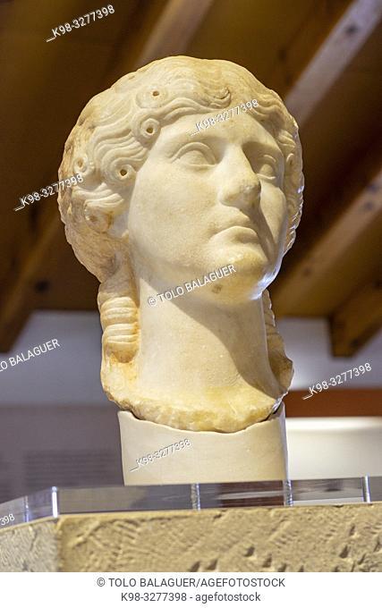 retrato de Agrippina Maior, nieta del emperador Augusto, siglo I, Museo-Centro de Interpretación del parque arqueológico de Segóbriga, Saelices, Cuenca