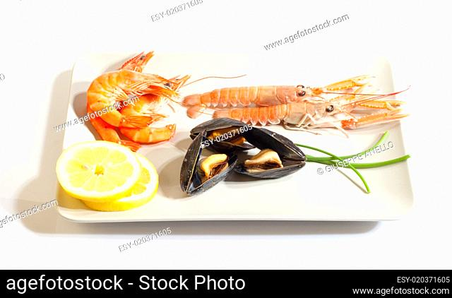 Mussels lemon and crustacean