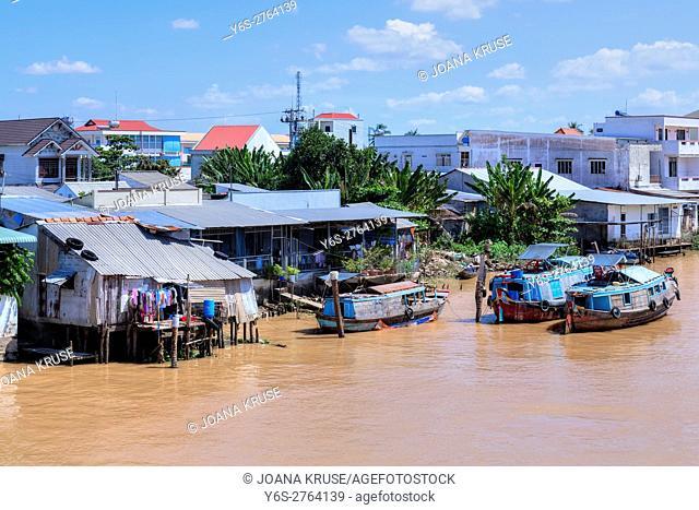 Life along the Mekong River in Vinh Long, Mekong Delta, Vietnam, Asia