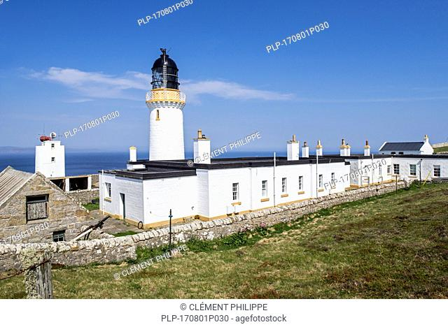 Dunnet Head Lighthouse on cliff top of Easter Head on Dunnet Head, peninsula in Caithness, Scotland, UK