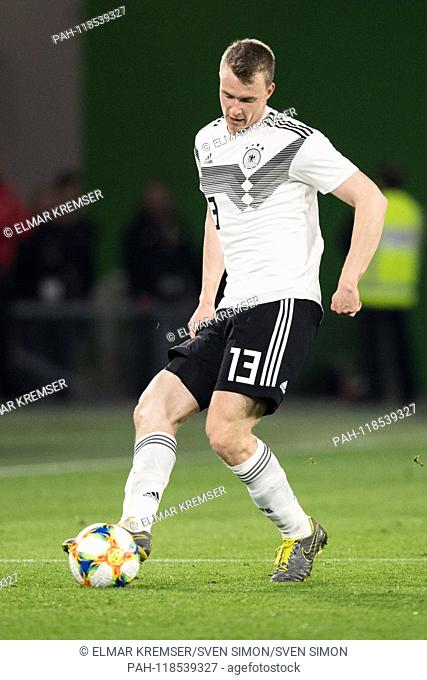 Lukas KLOSTERMANN (GER) with Ball, Single action with Ball, Action, Full figure, upright, Football Laenderpiel, Friendly Match