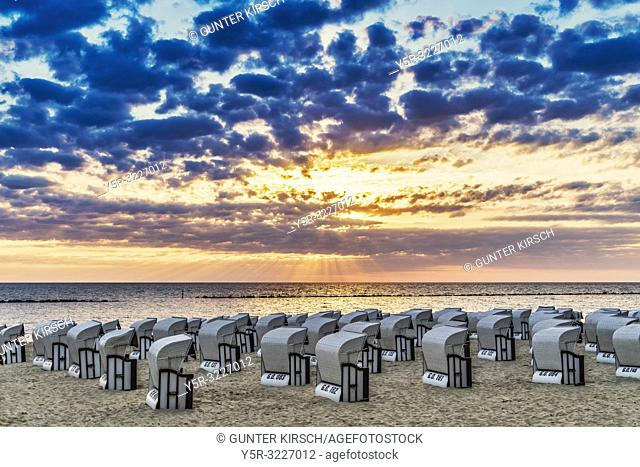 Beach chairs at the Baltic Sea beach, Baltic resort Sellin, Ruegen Island, County Vorpommern-Ruegen, Mecklenburg-Western Pomerania, Germany, Europe
