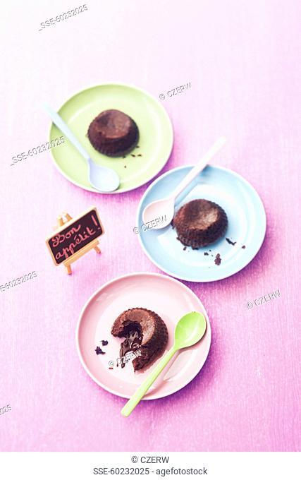 Individual runny chocolate puddings