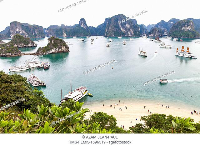 Vietnam, Quang Ninh region, Halong Bay, listed as World Heritage by UNESCO