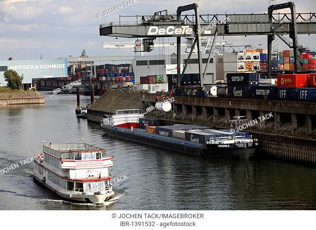 DeCeTe terminal, container loading at the southern dock of the inland port Duisburg-Ruhrort, Duisburg, North Rhine-Westphalia, Germany, Europe