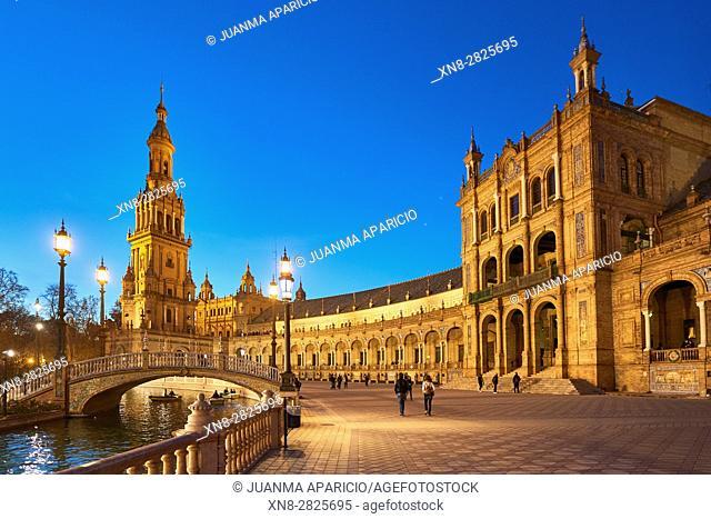 Plaza de España, Seville, Spain built for the Ibero-American Exposition of 1929, Seville, Andalusia, Spain, Europe