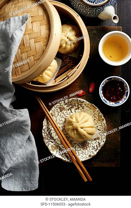 Chinese Jiaozi with chilli sauce