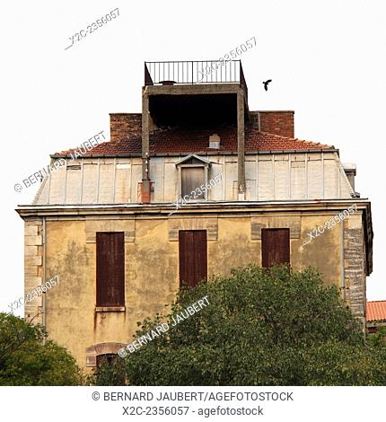 Building in Avignon. Vaucluse. France. Europe