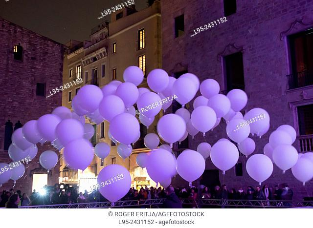 The Plaça del Rei and Saló del Tinell hosting an artist's multimedia exhibit of variably-colored balloons, February 2015