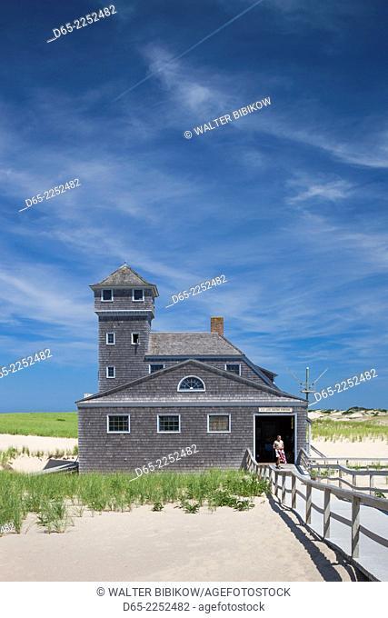 USA, Massachusetts, Cape Cod, Provincetown, Race Point Beach, Old Harbor Life-Saving Station