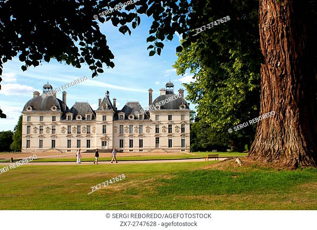 Cheverny Castle. Built between 1624 and 1630 by the sculptor-architect of Blois, Jacques Bougier. Loire Valley, France. Cheverny