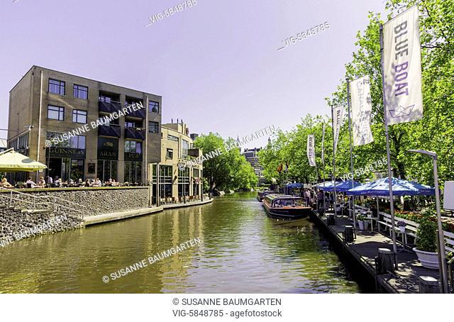 Amsterdam, Singelgracht, view from Hein Donnerbrug direction east. - AMSTERDAM, Netherlands, 27/05/2017