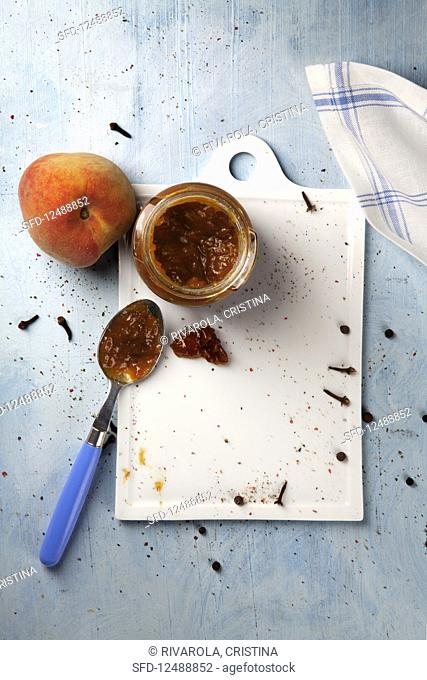 Peach chutney with thyme and honey