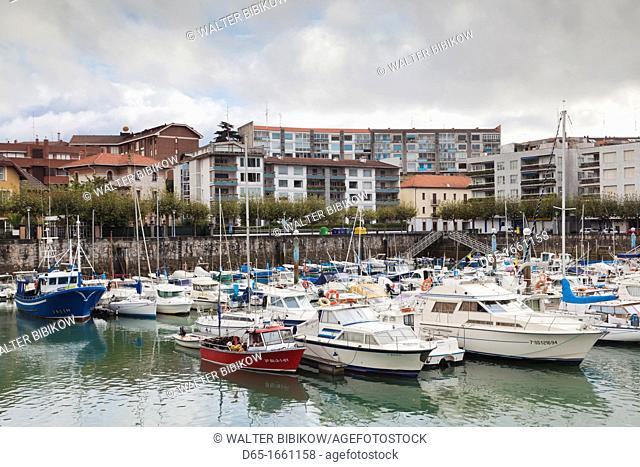 Spain, Basque Country Region, Vizcaya Province, Gorliz, boat marina