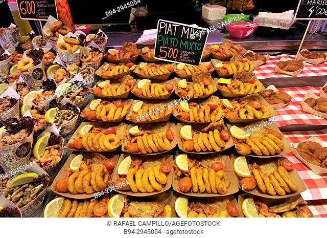 Squids for sale. Sant Josep aka la Boqueria market. Barcelona, Catalonia, Spain