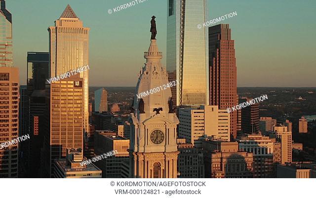 R2L PAN CITY HALL COMCAST TOWER DOWNTOWN SKYLINE PHILADELPHIA PENNSYLVANIA USA