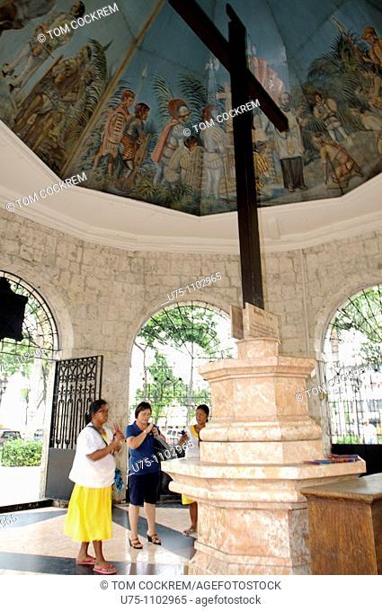 magellans cross cebu city philippines