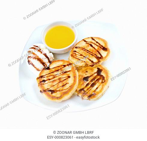 pancakes with icecream and honey
