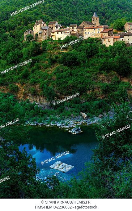 France, Aveyron, Parc Naturel Regional des Grands Causses (Natural regional park of Grands Causses), the town of Pinet