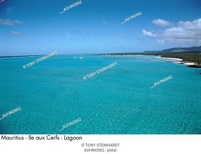 Mauritius - Ile aux Cerfs - Lagoon