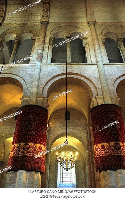 The Romanesque Basilica of Saint-Sernin, XI-XIIth centuries, is a UNESCO World Heritage Site. The nave. Toulouse, Haute-Garonne department, Occitanie region