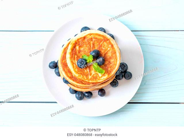 souffle pancake with fresh blueberries