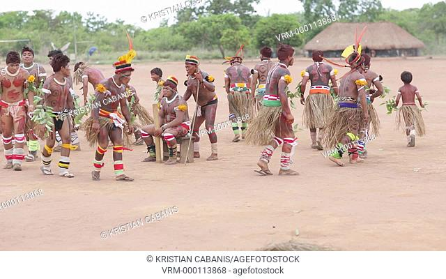 Traditional Dance, Kalapalo Indios, Mato Grosso, Brazil, South America