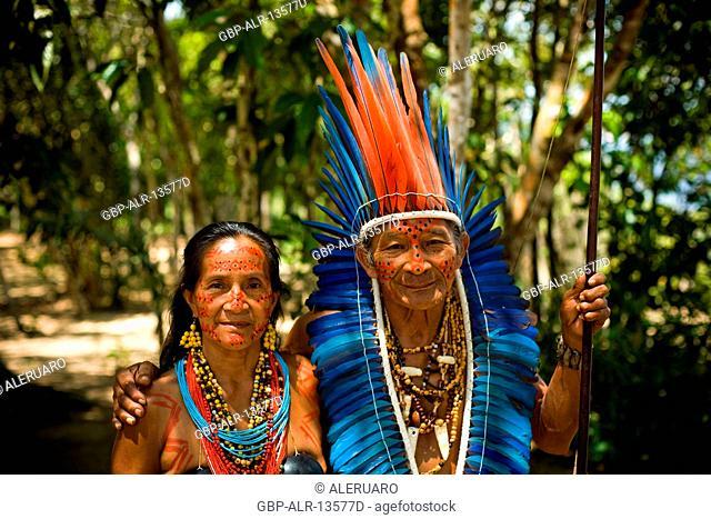 Indian, Indigenous couple, Dessano Tribe, Tupé Community, Manaus, Amazônia, Amazonas, Brazil