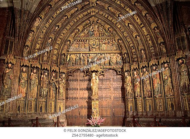 Polychrome Gothic front, church of Santa Maria de los Reyes, Laguardia, Rioja Alavesa, Alava, Basque Country, Spain