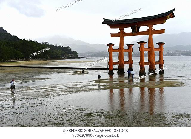 The famous torii gate of the Itsukushima Shrine on Miyajima island, Hiroshima, Japan, Asia