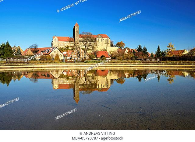 Germany, Saxony-Anhalt, Quedlinburg, castle hill with collegiate church St. Servatius, water reflection, UNESCO world heritage