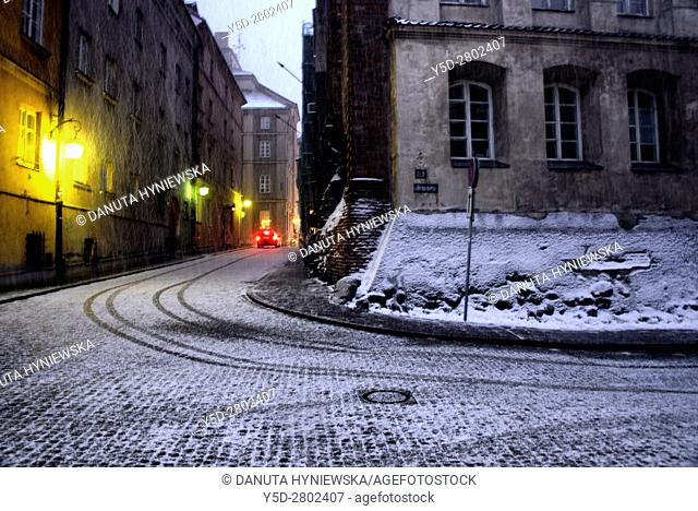 Brzozowa street - Ulica Brzozowa - in the evening in heavy snowfall, Old Town in Warsaw, UNESCO World Heritage List, Poland, Europe