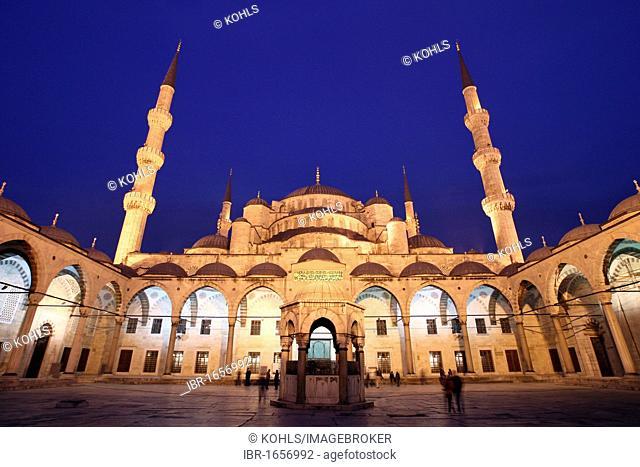 Illuminated Sultan Ahmed Mosque at night, Blue Mosque, Sultanahmet Camii, Istanbul, Republic of Turkey