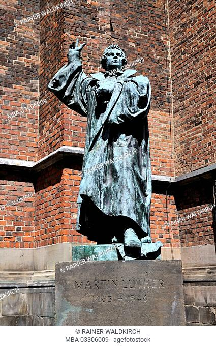 Hannover, Lower Saxony, Protestant market church, 14. Cent., Martin Luther monument