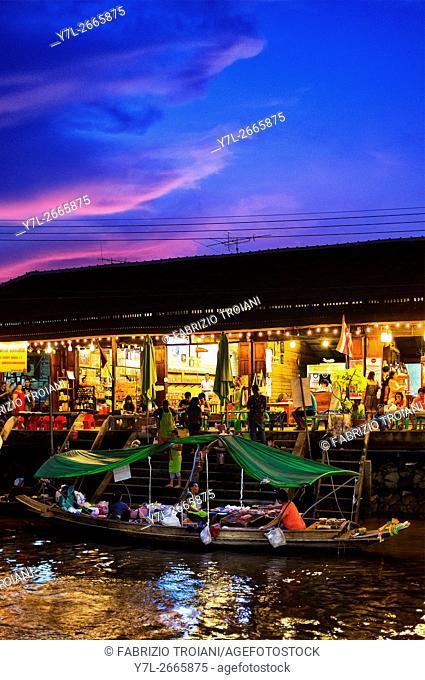 Amphawa floating market at sunset, Amphawa, Thailand