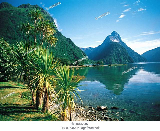 Travel, New Zealand, South Island, Fjordland, Milford Sound lake